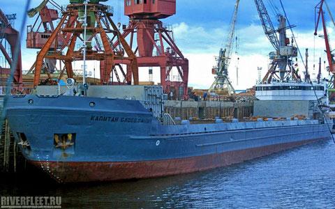 Теплоход «Сибирский – 2026» с 1991 г. носит имя «Капитан Слабожанин»