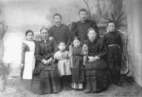 Купеческая семья . Якутск 1909 год