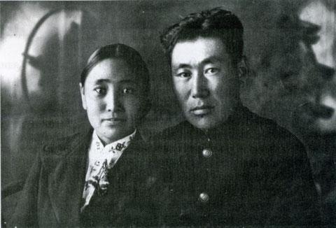Г.В. Короходкин с супругой. Якутск, 1943 год