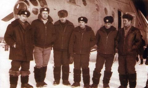 Инструкторский экипаж вертолета Ми-6