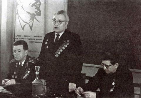 Подведение итогов 1 семестра 1971 года в ЯГУ. Токарев П.Н., Барсуков Н.А., Ковалевский А.С.