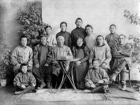 Семья якутского купца Н.О. Кривошапкина