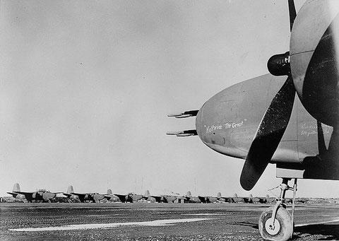 Самолеты А-20 на аэродроме Ном