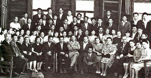 Преподаватели и студенты ИФФ. 1963 г. Якутск