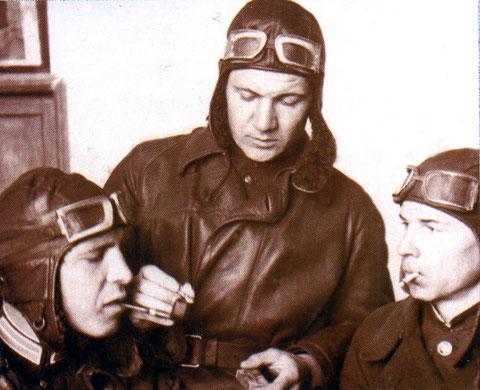 Слева Браташ пилот-инструктор