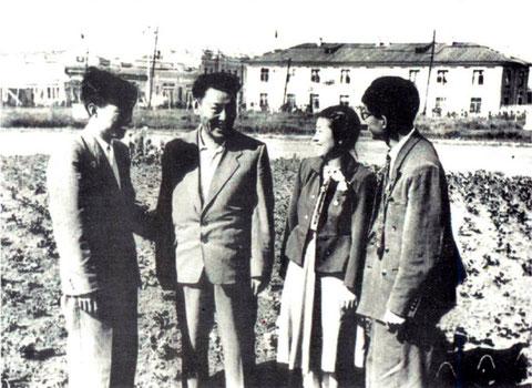 И.М. Романов с делегацией китайских студентов. Якутск