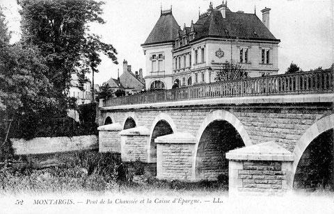 Le pont de La Chaussée et la Caisse d'Épargne 1905