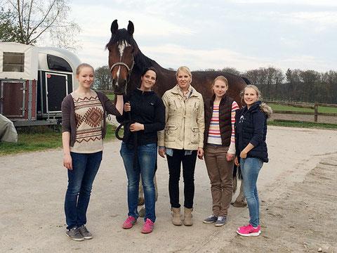 Anika, Lolo, Jenny, Lara, Anna und Gisa