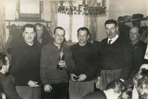 Die Zweiteplatzierten v.l. Draber Kamillo, Rumpl Franz, Obermair Alois sen. und Draber Franz