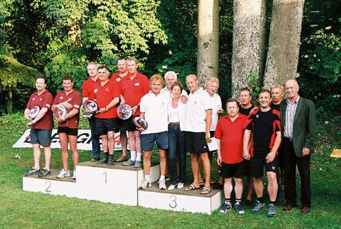 v.l. Union Ramingtal, Sieger BSG Kaltenhausen, Union Seiwald Peuerbach mit Loni Seiwald, Union Raiffeisen Wolfern und Georg Seiwald