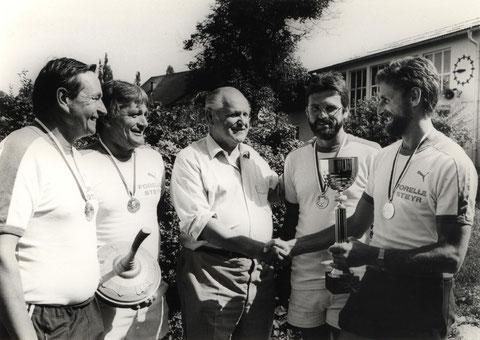 v.l. Kessel Helmut, Niess Robert, Gratulant Stadtrat Zöchling, Ursprunger Heinz, Moser Alfred
