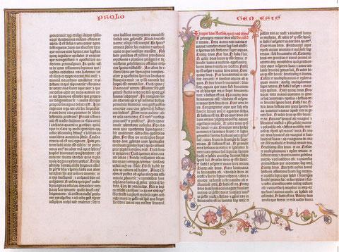 Famosa Biblia de Gutenberg,primer libro impreso, se esforzaron por mantener su parecido al bello libro manuscrito, conservando la caligrafía gótica.