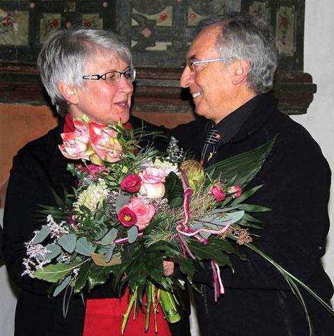 Chorleiterin Andrea Lutsch und der Vorsitzende Ernst Haßfurther