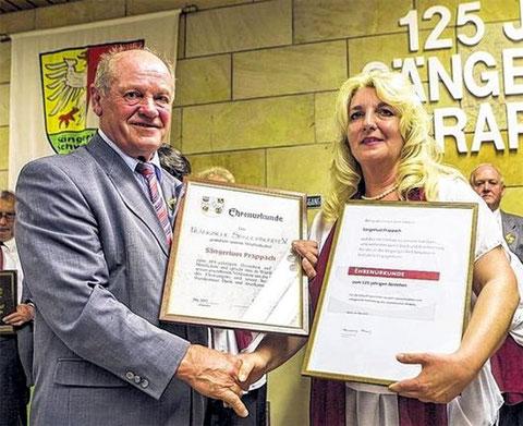 Ehrenurkunden 125 Jahre - 2015 - an Vorsitzende Angelika Naß