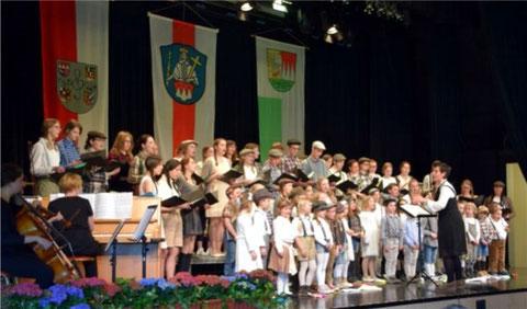 Kinder- / Jugendchor - Leitung: Sonja Wißmüller - Bundesversammlung Grafenrheinfeld 2016