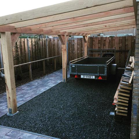 Carport van douglas hout