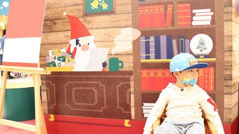 サンタさんお仕事風景のフリー素材 Free material for Santa and the kitchen