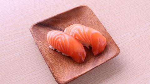 サーモン、鮭、寿司、寿司桶、外食、料理、食べ物の写真フリー素材 Salmon, sushi, sushi tub, eating out, cooking, food photo free material