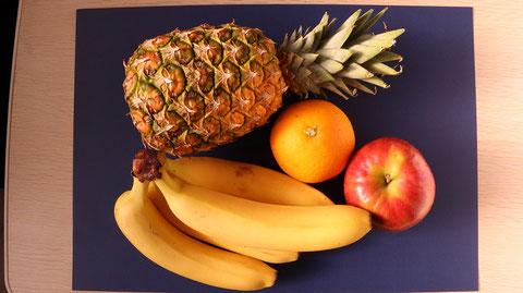 パイナップル、オレンジ、りんご、バナナ、果物、フルーツ、ダイエット、お菓子、おやつ、料理、食べ物の写真フリー素材 Pineapples, oranges, apples, bananas, fruits, fruits, diets, sweets, snacks, dishes, food photos Free material