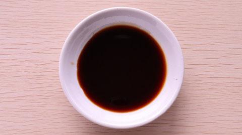 醤油、紫、寿司、寿司桶、外食、料理、食べ物の写真フリー素材 Photo free material of soy sauce, purple, sushi, sushi tub, eating out, cooking, food