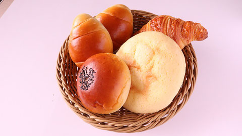 パン、クロワッサン、あんぱん、ロールパン、メロンパン、お菓子、おやつ、料理、食べ物の写真フリー素材 Bread, croissants, anpan, bread rolls, melon bread, sweets, snacks, dishes, food photos Free material