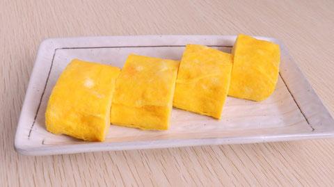 厚焼き玉子、だし巻き卵、卵、料理、卵料理、食べ物の写真フリー素材 Thick roasted egg, omelet roll, egg, dish, egg dish, food photo free material