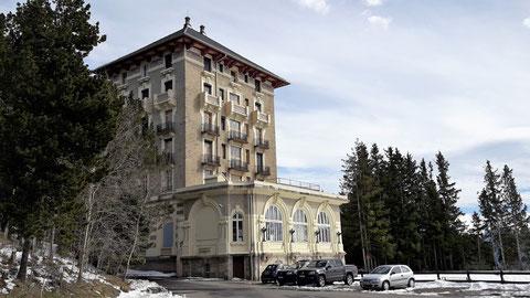 TC195 Raquetes de neu -Grand Hotel