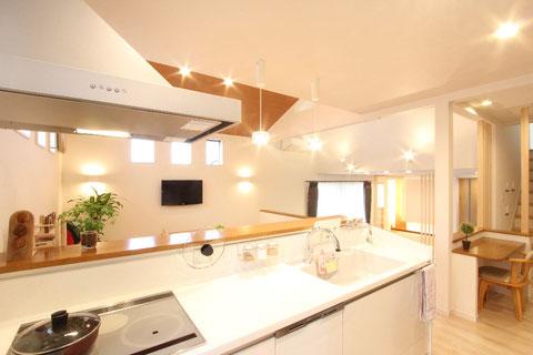 人造大理石キッチン