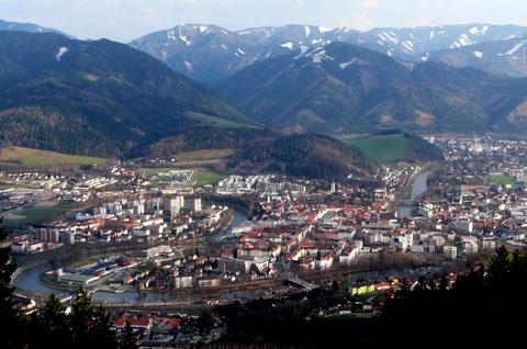 Blick auf die Stadt Leoben in der Steiermark (Quelle: Tobias B. Köhler)