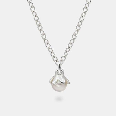 """<img src=""""/Filigranes-besonderes-Perlen-Armband--Geschenkidee-mutter.jpg"""" alt=""""Filigranes besoderes Perlenarmband 925er Sterling Silber als Geschenkidee für die Mutter"""">"""