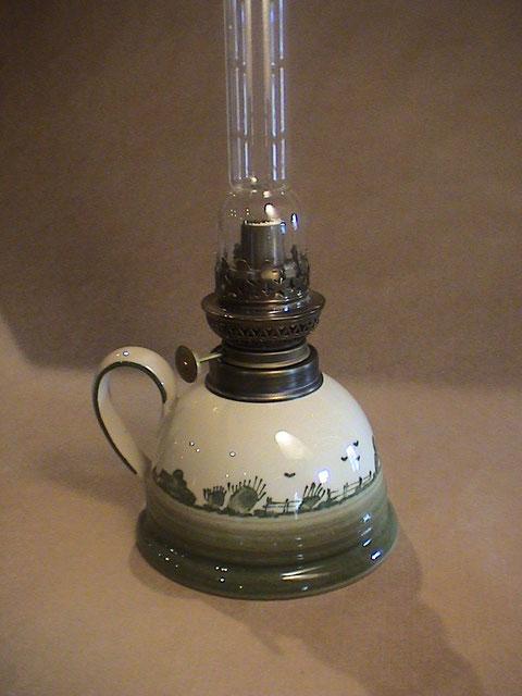HVL-001 Petroleum-Lampe in 3 Dekoren lieferbar. Preis 98,-- EUR