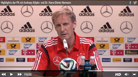 Sportpsychologe Hans Dieter Herrmann bei der PK vor dem Spiel gg. Portugal