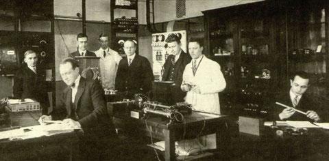 Foto dei laboratori SRA dei primi anni '20 del 900 - Fonte Ericsson