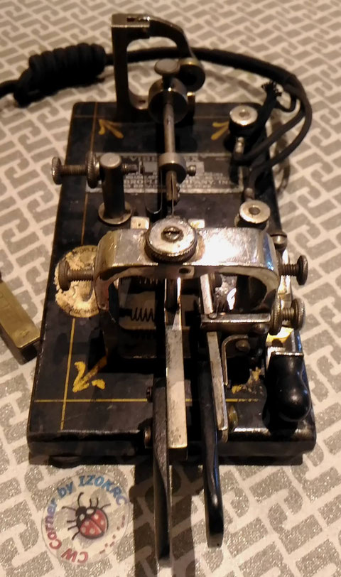 Vibroplex Double Lever, note the fingherpieces consumed for intensive work