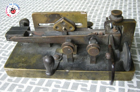 Mecograph #3 brass square pendulum