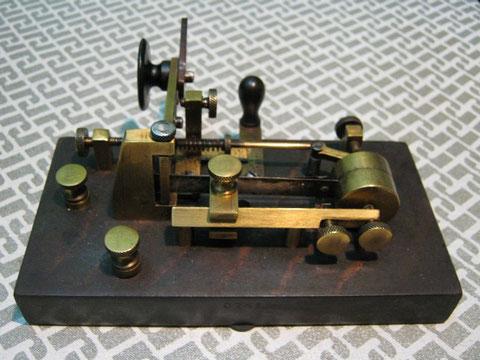Mecograph #06 or n.3 round pendulum