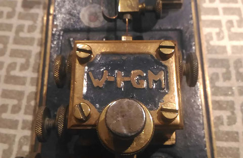 C.A.G. bug W1GM, particular of Marconi HAM Call write on top of frame