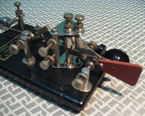 Automatic Key n.100 particolare sui due pivot.