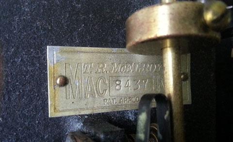 Mc Elroy modello 1936A, particolare dell'Etichetta in Alluminio, prerogativa degli ultimi 1936 tipo A prodotti.