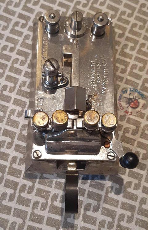 Dunduplex mono lever bug. Particolare con vista dall'alto.