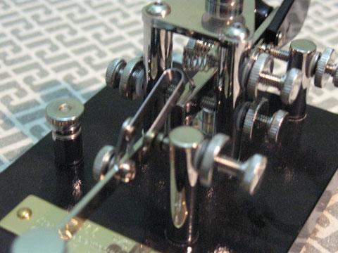Frattini J-36 black - particolare molla e spessori viti di regolazione