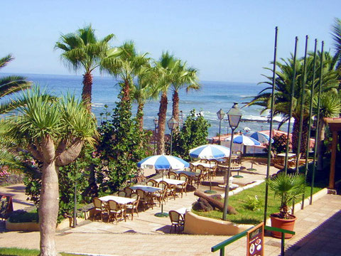 Traumstrand auf Teneriffa ist unter Anderen der Playa Jardin in Puerto del la Cruz. Hier gibt es Eigentumswohnungen direkt am Strand.