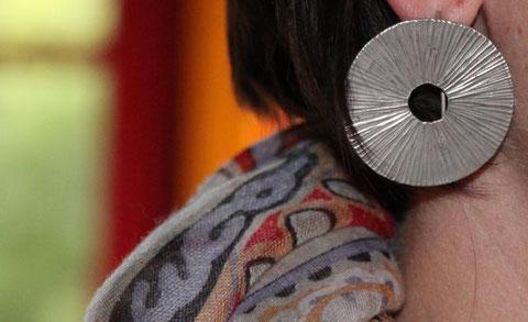 Diese Ohrringe ziehen nun nach China.