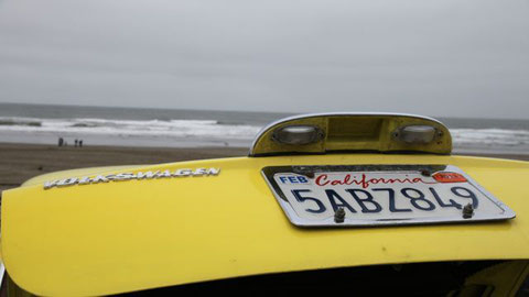 1973 VW Karmann Ghia am Strand beim Cliffhouse