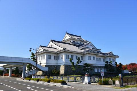 亘理駅(JR東日本)に隣接する悠里館