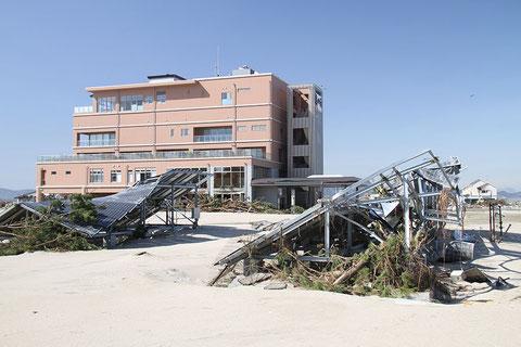 在東日本大震災中受損的「鳥之海溫泉」