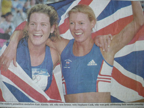 2000 Sydney: Kate Allenby (bronze) and Steph Cook (gold) celebrate
