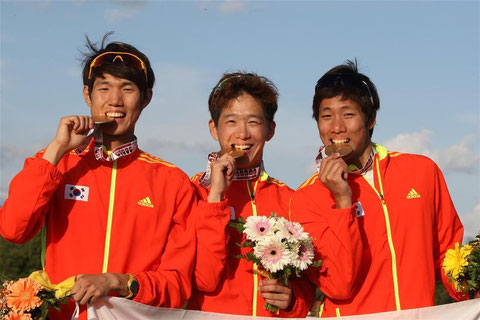 2012 Rome: Team Relay winners - Korea (Woo-Jin Hwang, Jin-Woo Hong and Jinwa Jung)