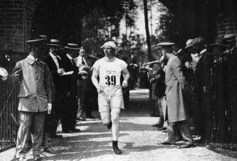 1912 Stockholm: Ake Gronhagen (SWE) 4th