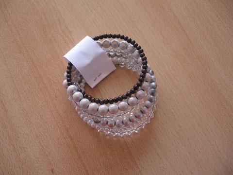 Bracelet mémoire 6 tours : 15 euros. VENDU.